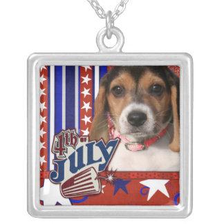 4 de julio petardo - perrito del beagle grimpolas