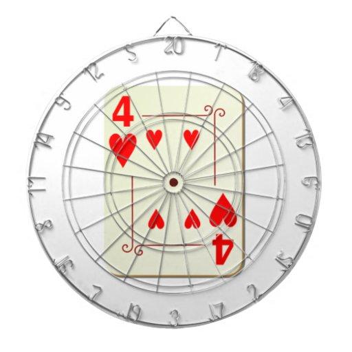 4 del naipe de los corazones tablero de dardos