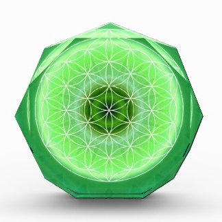 4 heart chakra green created by Tutti Award