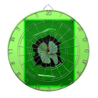 4 - Leaf Clover       Dart Board