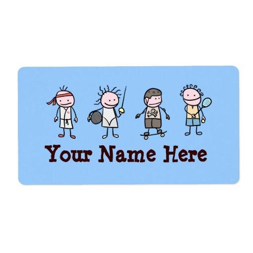 4 niños 3 etiquetas de envío