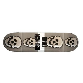 4 skulls skateboards