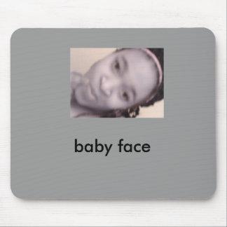 4b19704fa6e025.29476679, cara del bebé alfombrillas de ratón