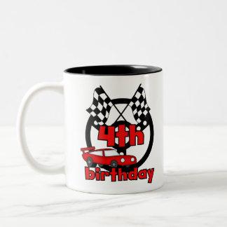 4to cumpleaños de las carreras de coches taza de café de dos colores