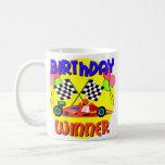 4to Cumpleaños del coche de carreras del cumpleaño Taza De Café