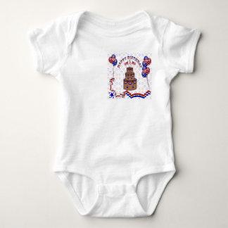 4to de la celebración de julio body para bebé