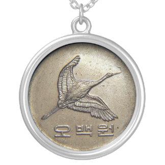 500 ganaron el collar del coreano de la moneda