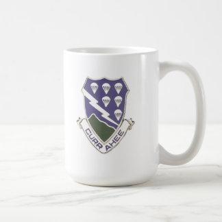 506o Escudo de la infantería Taza De Café