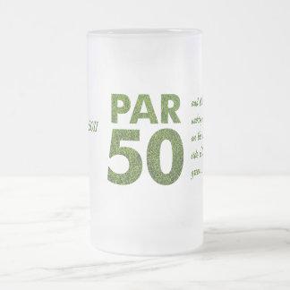 50.a fiesta de cumpleaños de los golfistas taza de cristal