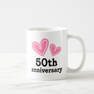 50.o Corazones del regalo del aniversario Taza Básica Blanca
