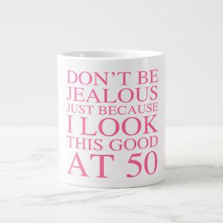 50.o cumpleaños descarado para las mujeres taza grande