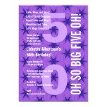 50.o La púrpura moderna del cumpleaños protagoniza Invitaciones Personales