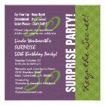 50.o Modelo púrpura y verde v2 del cumpleaños de l Invitación