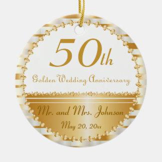 50.o Nombre y fecha del aniversario de boda de oro Adorno Navideño Redondo De Cerámica