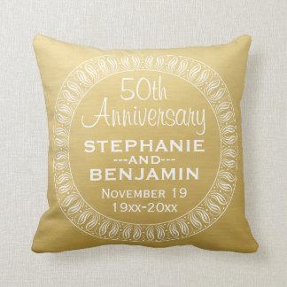 50.o Oro personalizado del aniversario de boda Cojin