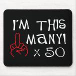 50.o saludo del dedo medio del cumpleaños tapetes de ratones
