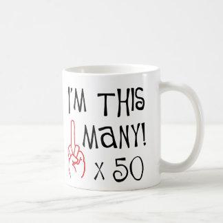 50.o saludo del dedo medio del cumpleaños taza