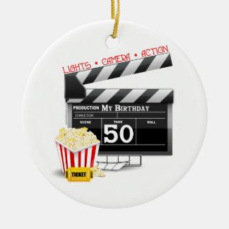 50.o Tema de la película del cumpleaños Adorno Navideño Redondo De Cerámica