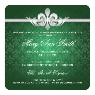 """50.o verde elegante de la flor de lis de la fiesta invitación 5.25"""" x 5.25"""""""
