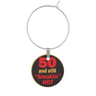 50 y aún cumpleaños caliente de Smokin el | 50.o Identificadores De Copas