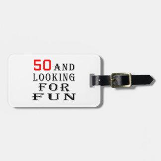 50 y buscar diseños del cumpleaños de la diversión etiqueta para maleta