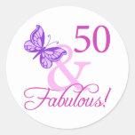 50 y regalos de cumpleaños fabulosos (ciruelo) pegatina redonda