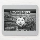'50c Skeeball' Mousepad