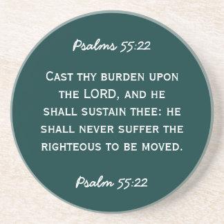 55:22 del salmo del paso de la biblia en el texto  posavasos de arenisca