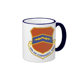 56.o Ala del comando del aire (ACW) Taza A Dos Colores