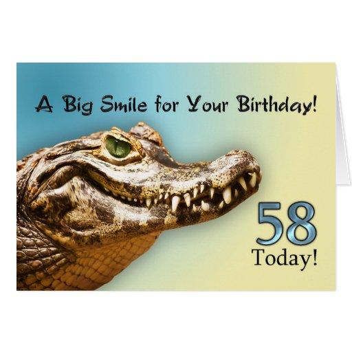 58.o Tarjeta de cumpleaños con un cocodrilo sonrie