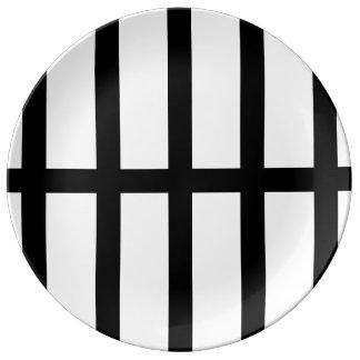 5 Bisected Black Lines Porcelain Plate