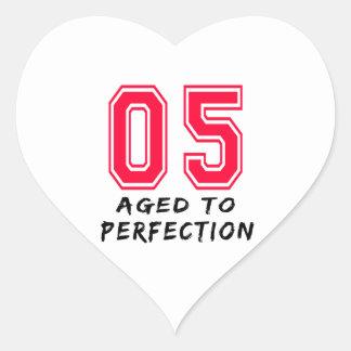 5 envejeció al diseño del cumpleaños de la pegatina de corazón personalizadas