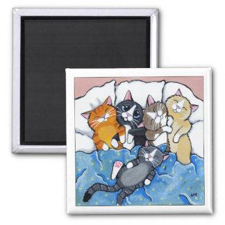 5 gatitos soñolientos - imán del arte del gato