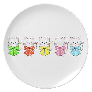 5 gatos de la felicidad platos de comidas