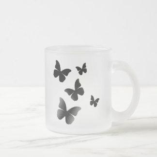 5 mariposas negras taza