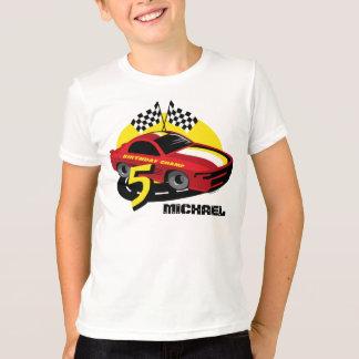 5ta camisa del cumpleaños del coche de carreras