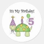 5tas camisetas y regalos del cumpleaños de la pegatinas redondas