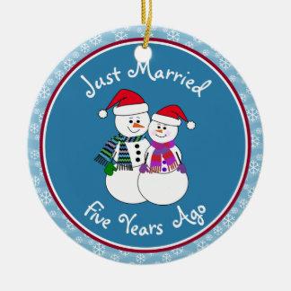 5th Anniversary Gift Fun Snow Couple Christmas Ceramic Ornament