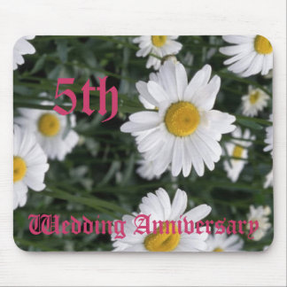 5th wedding anniversary - Daisy Mouse Pad