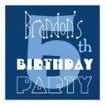 5to azul del cumpleaños del niño moderno conocido comunicado personalizado