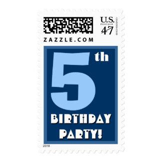 5to Azul intrépido de la fiesta de cumpleaños y Timbre Postal