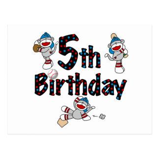 5to Cumpleaños del béisbol del mono del calcetín Postal