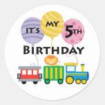 5to Cumpleaños del tren del cumpleaños Pegatinas Redondas