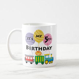 5to Cumpleaños del tren del cumpleaños Taza Clásica