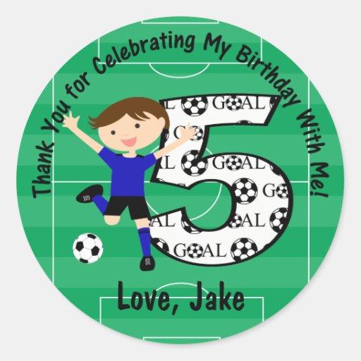 5to El cumpleaños agradece fútbol azul y negro Pegatina Redonda