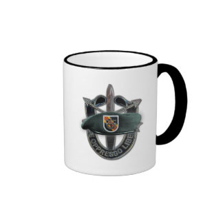 5to El hijo de Vietnam del grupo de las fuerzas es Taza De Café