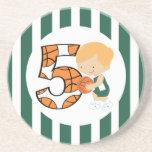 5to Jugador de básquet verde y blanco v2 del cumpl Posavasos Diseño
