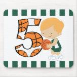 5to Jugador de básquet verde y blanco v2 del cumpl Tapete De Raton
