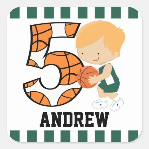 5to Jugador de básquet verde y blanco v2 del Pegatina Cuadrada