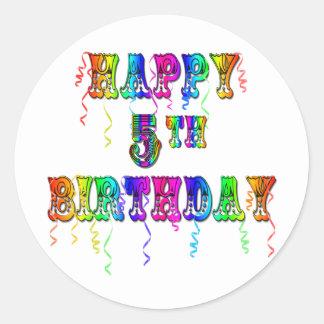 5tos regalos de cumpleaños felices - fuente del pegatina redonda